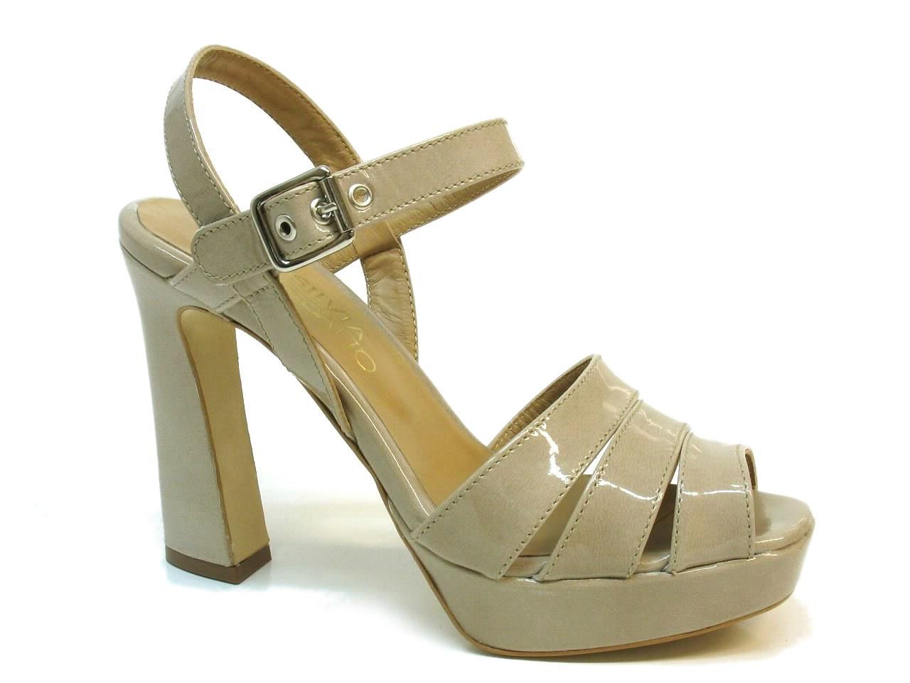 Sandálias de Salto Silvia Rebatto - 019 S8848